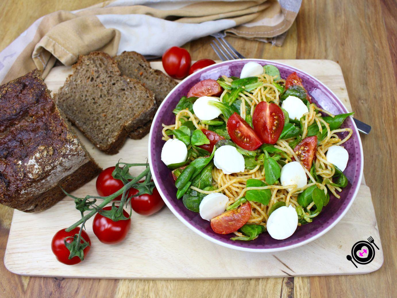 Nudelsalat mit Pestodressing