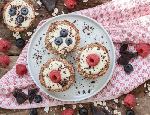 Vegane Haferflocken Muffins mit Beeren