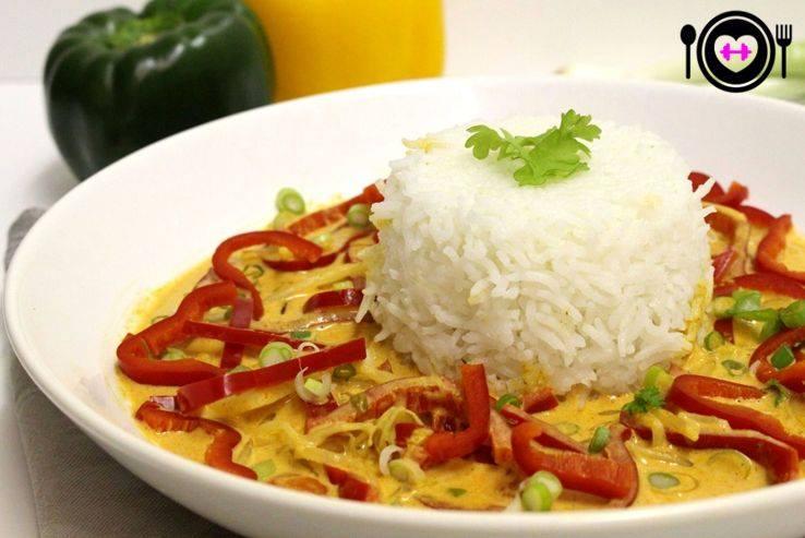 Veganes Thai-Curry mit Reis