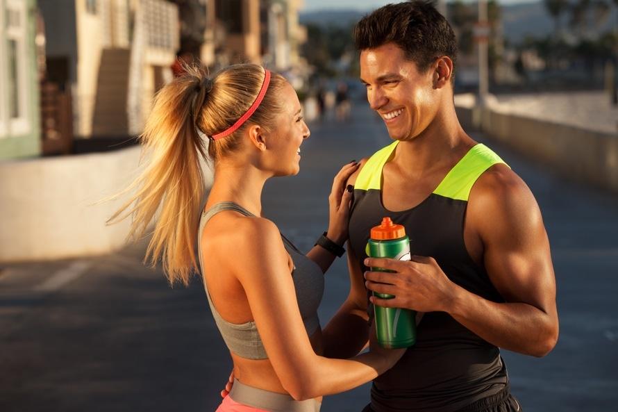 Tips, Tricks, verraten, trinken, mehr trinken, ausreichend, 2 Liter, 3 Liter, 4 Liter,Tag, Flüssigkeit, mindestens, Tagespensum, Zeit, Gewohnheiten, Kind, Problem, Wohlbefinden, Haut, Schwanger, vergessen, Feuchtigkeit, Müde, Müdigkeit, wenig, Körper, natürlich, Aktivitäten, Richtwert, Körpergewicht, Ernährung, Gesundheit, Gifte, Faktoren, straffere, jünger, Kopfschmerzen, Flasche, griffbereit, sichtbar, unterwegs, Rucksack, Handtasche, Geschmack, Getränkekonzentrate, Obst, Wasser, Saft, Zitrone, Beeren, Gurke, Glas, Hungergefühl, Durst, Zeitangabe, Handy, App, Water, Drink, Reminder, Water drink reminder, Tee, Winter, Sommer, Herbst, Frühjahr, Büro, Kanne, Mittagessen, Abendessen, Frühstück, frühs, mittags, abends, Familie, Partner, Fitness, Krafttraining, Sport, Laufen, Joggen, Hilfe, Problem, Mineralwasser, still, stillen, aufstehen, pexels-photo-29353-large