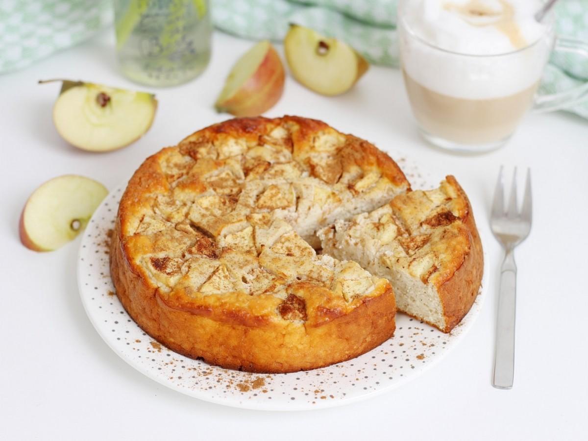 Gesunder, Apfelkuchen, Rezept, rund, Apfelstückchen, Apfelkuchen gesund